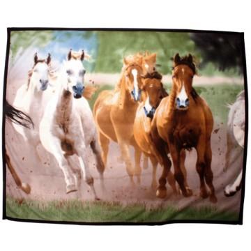 """Fleecepeitto """"laukkaavat hevoset"""""""