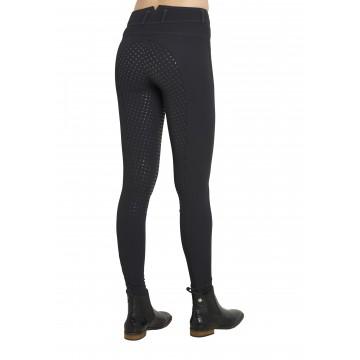 Montar Essentials highwaist -housut silikonikokopaikoilla,